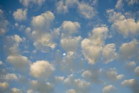 pattern of white clouds in streaks the 10 basic types of clouds and how to recognize them