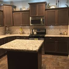 brown kitchen cabinets backsplash ideas 20 key pieces of kitchen tile backsplash ideas back splashes
