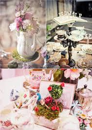 decoration table mariage theme voyage comment recréer un mariage sur le thème alice au pays des