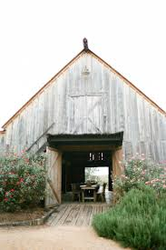 barn wedding venues 25 breathtaking barn venues for your wedding southern living
