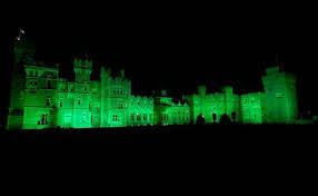150 shades of green global landmarks light up for st patrick u0027s