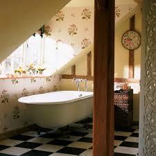 retro badezimmer tapeten ideen im bad 21 ausgefallene und stilvolle vorschläge