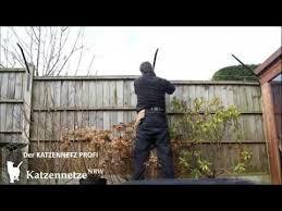 katzennetz balkon montagevideo überkletterschutz katzenzaun katzennetz