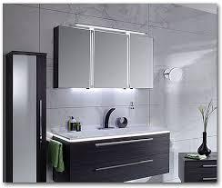 badezimmer spiegelschränke mit beleuchtung licht im bad bavaria bäder technik münchen