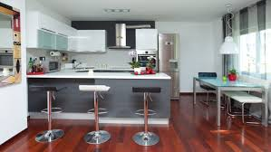 modele de cuisine ouverte sur salon cuisine amenagee americaine modele cuisine petit espace cbel