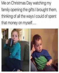 Family Christmas Meme - 9 holiday memes for your family group chat girlslife