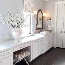 Silver Gray Bathroom Walls Design Ideas - Silver bathroom