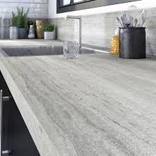 plan de travail cuisine gris plan de travail stratifié effet travertin mat l 315 x p 65 cm