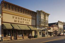 15 of the quirkiest small towns in america small american town