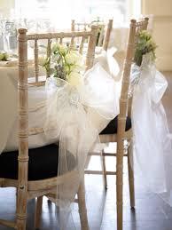 chair tie backs per chi celebra il matrimonio in inverno chair tie