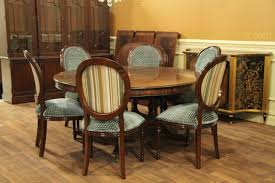 mahogany dining room set large 64 88 inch expandable round mahogany dining table