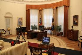 The Oval Recreating The Oval Office A Q U0026a With Designated Survivor U0027s