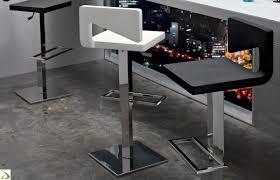 sgabelli regolabili in altezza sgabello regolabile in altezza zemis arredo design