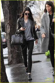 kendall jenner casual kendall jenner plays tourist in photo 647840 photo