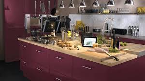 mur cuisine aubergine couleur mur pour cuisine plan de travail bois cuisine aubergine ac