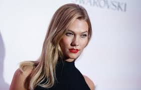 karlie kloss hair color karlie kloss s genius hair trick will make your cheekbones look