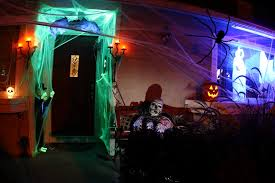 cheap and easy ways to decorate your home for halloween seekyt