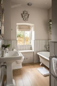 i would be completely incapable if pooping in this beautiful room