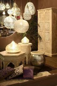 Schlafzimmer Im Loft Einrichten Formation Von Verschiedenen Lampen Im Orientalischen Stil Boho