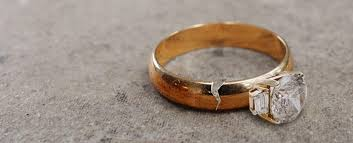 engagement ring etiquette dealing with a broken engagement ring etiquette