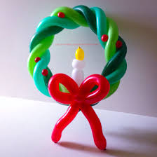 balloon christmas wreath with bow u0026 candle balloon sculptures