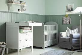 ladaire chambre bébé coin à langer avec table à langer ikea des petits lit bébé
