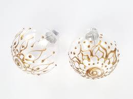 doodled henna christmas ornaments ilovetocreate