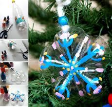 adornos para el árbol navideño con culos de botella de refresco