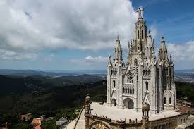 where can i go for a day weekend trip from barcelona