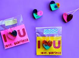 crayon valentines diy heart shaped crayon necklace