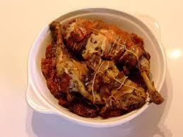 cuisiner lapin au four recette de lapin au four sur lit de tomates confites la