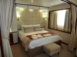 windstar s wind surf caribbean january 2014 goldring travel the bed is extremely comfortable but lacks a cushion to cover the gap between the twin beds when pushed together the linens are of very high quality