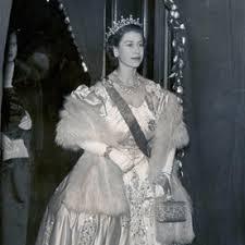 Queen Elizabeth Ii House Queen Elizabeth U0027s Style Evolution Instyle Co Uk