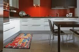 tapis pour cuisine pour une cuisine pratique et stylée webtapis tapis modernes