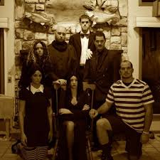 Addams Family Costumes 35 Fun Group Halloween Costumes For You And Your Friends Group