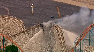 Weather In Six Flags Magic Mountain Ca Fire Damages Colossus Roller Coaster At Magic Mountain Kabc7