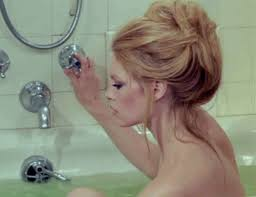 Girls Masturbating In Bathroom Is It Safe To Using The Bath Faucet Gurl Com