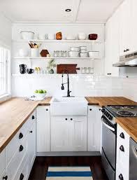 cuisine bois et blanche cuisine blanche en bois et plan de travail sol gris lzzy co