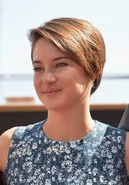 how to grow out short hair into a bob 15 of shailene woodley s most gorgeous short hairstyles 6