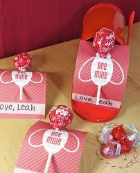 diy valentine s gifts for friends 25 diy valentine s gifts for friends to try this season feed