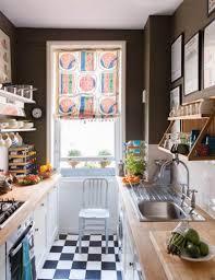comment am駭ager une cuisine en longueur design interieur comment amenager cuisine longueur retro chic