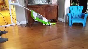 Laminate Floor Hoover Bissell Hard Floor Expert Vacuum 81l22 Youtube