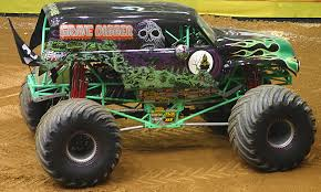 monster jam grave digger rc truck wallpaper crazy monstertrucks