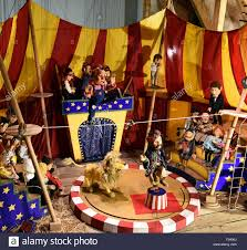 circus puppets martionette stand around a circus ring in die kiste puppet