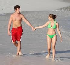kelly brook bikini pics more pics of kelly brook halter bikini 2 of 2 kelly brook