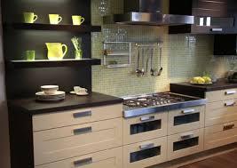 couleur plan de travail cuisine plan de travail mariage des matériaux hauteurs et couleurs