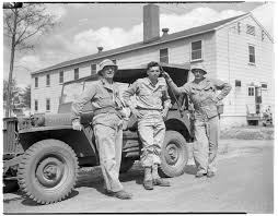 army jeep ww2 soldiers with jeep at u s army camp mccoy wisconsin july 1944