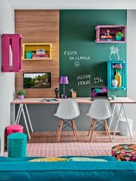 sous bureau fille créer un coin bureau pour enfant décoration colorée