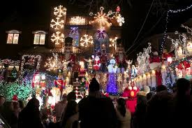 Dyker Heights Christmas Lights Holiday Lights Spectacular Draws Thousands To Dyker Heights