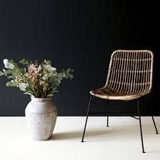 chaise en chaise en rotin naturel pieds métal noir moka decoclico